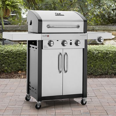 Outdoor Living at Sears Flora - Auth Hometown